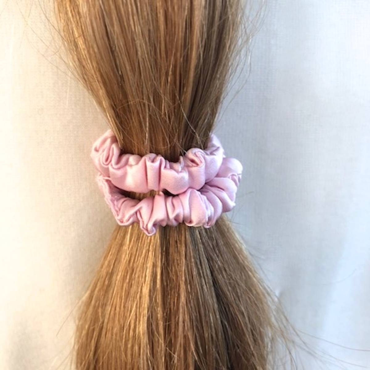 Hårstrikk i silke - rosa